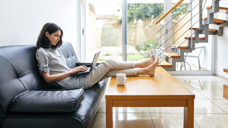 How to Send the Best Cold Email Pitches and Win Freelance Gigs